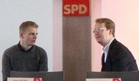 Tim Klüssendorf (links) und Nils Düster im Gespräch (c) Anja Hagge